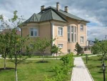 Rent house within Moscow in region: Rublevo-Uspenskoe