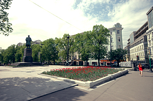 Rent real estate in charming Moscow area of Gogolevsky boulevard